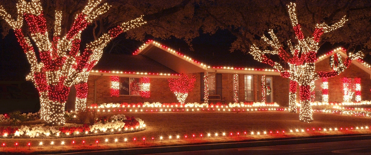customized holiday lighting - Christmas Light Decorating Service