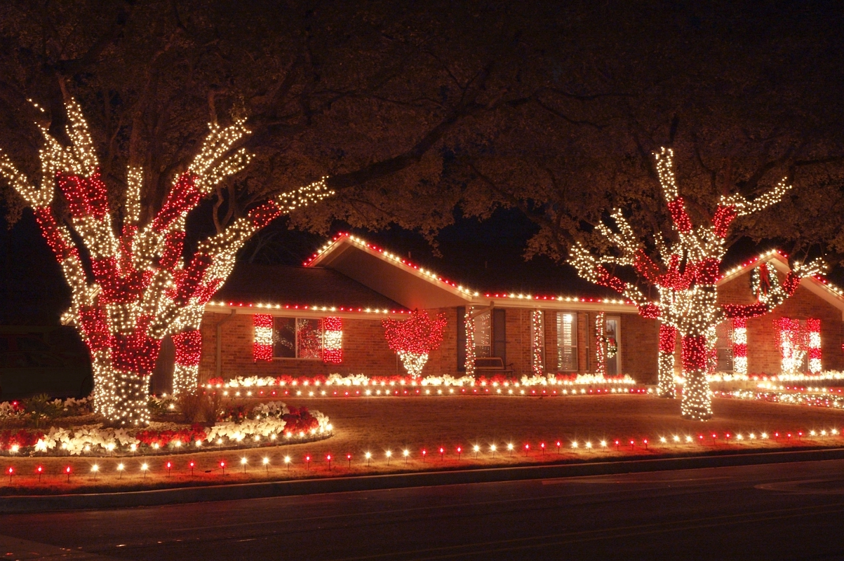 Connecticut Christmas Light Installers